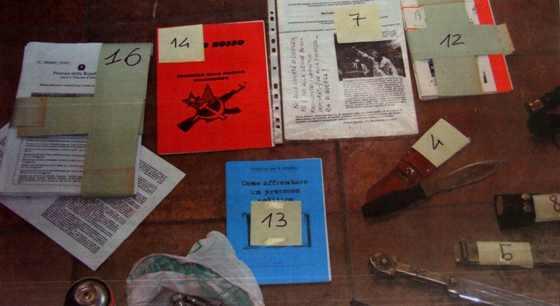 Aveva il kit del rivoluzionario in casa denunciato oggi for Disegni della casa del merluzzo del capo