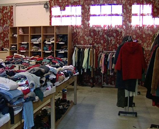 Nuove poverta 39 sempre piu 39 famiglie normali chiedono - Chi acquista mobili usati ...