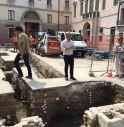 Scavi in piazza Santa Maria dei Battuti: ritrovate ossa umane