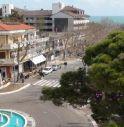 90 abbindolato e derubato da due ragazze in bikini a Lignano
