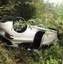 Si ribalta con l'auto nel fossato, paura per un 30enne di Castelfranco