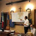 Il sindaco Bortolato intento a spiegare il Nuovo Piano degli Interventi