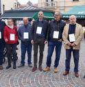 Truffati ancora in piazza: flash mob davanti a ex Veneto Banca di Montebelluna