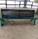 panchina vandalizzata