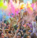 L'Holi più grande d'Italia a Jesolo. A Ferragosto il festival dei colori