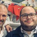 A destra, l'assessore Claudio Borgia; a sinistra Stefano Villanova, Presidente del Rugby Montebelluna Junior.