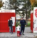 l'ingresso al campo dei giovani calciatori