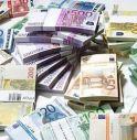 Beccato con 40mila euro nelle mutande
