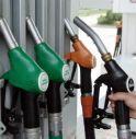 Dal 2021 torna il  rischio stangata sui carburanti