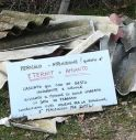 Colle Umberto, abbandonano lastre di eternit lungo la strada: