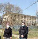 Stefano Marcon (a sx) davanti all'ex-convitto Maffioli, oggetto di interventi finanziati dal Governo.
