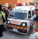 Pakistan, Talebani irrompono in scuola Peshawar: strage di studenti, 135 i morti