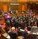 Decreto sicurezza: bagarre al Senato. La Lega occupa banchi del governo