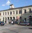 Auto contro scooter in centro a Conegliano