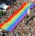GAY IN PIAZZA A TREVISO CONTRO L'OMOFOBIA