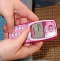 INTERCETTA GLI SMS DEI FIGLI: GENITORE INDAGATO