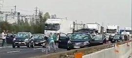 Grandine: danni a centinaia di auto sull'A1