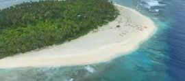 SOS sulla sabbia, marinai salvi dopo naufragio