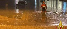 Maltempo a Malpensa, automobilisti bloccati dall'acqua