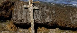Spada di crociato ritrovata dopo 900 anni in fondo al mare