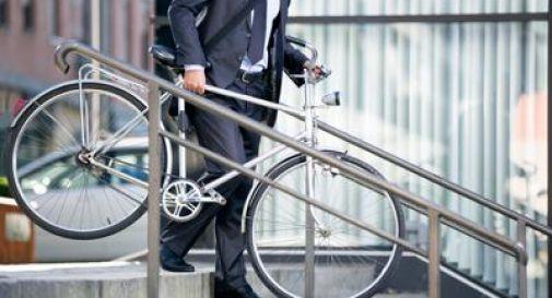 A lavoro in bici, le opportunità economiche e ambientali.