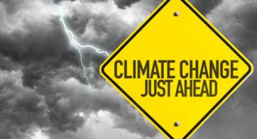 Il Parlamento europeo dichiara l'emergenza ambientale.