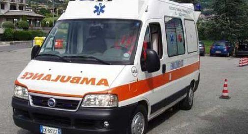 Ubriaco, cade mentre fugge ai carabinieri: in fin di vita
