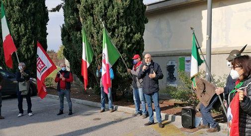 Cerimonia ANPI e CGIL davanti alla lapide dei partigiani di Ciano