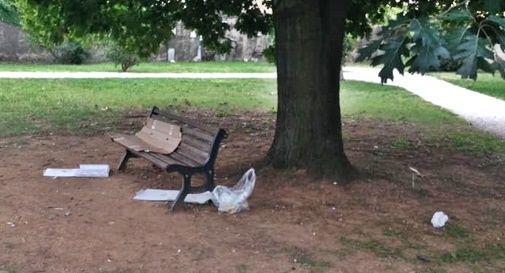 Parco Manin trasformato in una discarica: