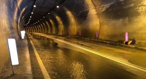 Pioggia e neve fanno chiudere la galleria di Segusino
