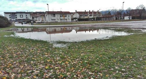 Il parcheggio diventa un lago