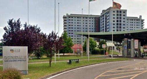 Covid: 3 pazienti positivi in ospedale e 6 sanitari