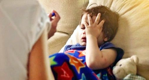 Covid: sintomi bimbi, più mal di testa e meno tosse o febbre