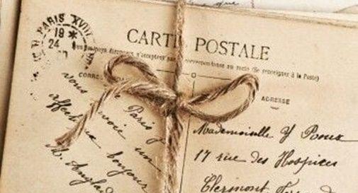 """""""Scrivete cartoline"""": esorta in un post e le inviano ben 50 indirizzi"""