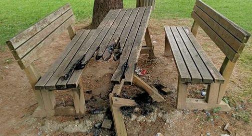 Tavolo incendiato a Mareno