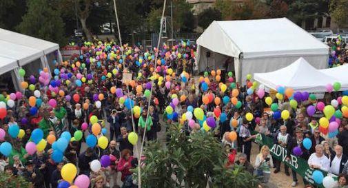 Migliaia di cittadini in marcia per Advar