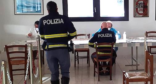vaccino Covid polizia