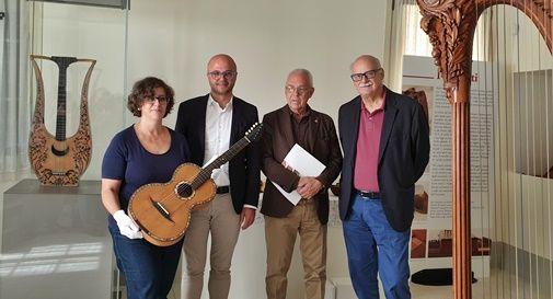 """Castelfranco espone i suoi """"gioielli"""": 64 strumenti musicali antichi da tutto il mondo"""