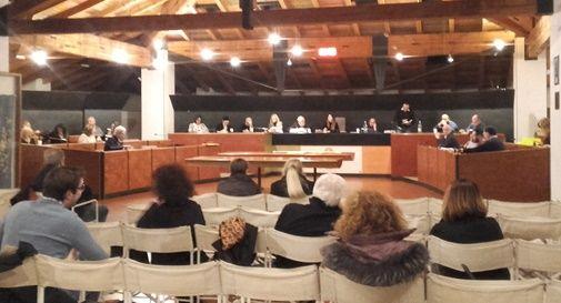 Il sindaco Favero difeso (ancora) dalle minoranze: