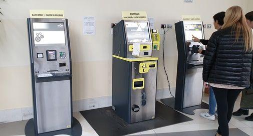 Macchinette per pagare il ticket fuori servizio, disagi e code all'ospedale di Montebelluna