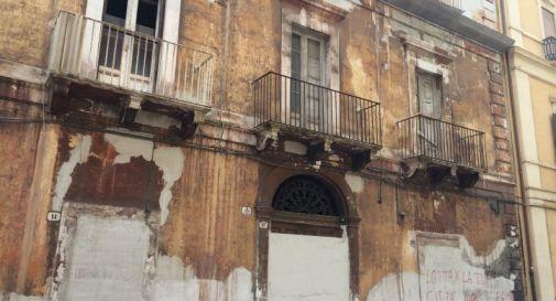 Case lasciate nel degrado lungo il Terraglio: due proprietari nei guai