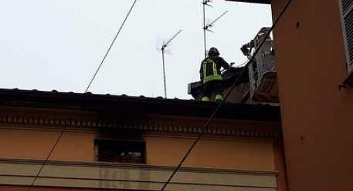 Incendio in un palazzo: un morto