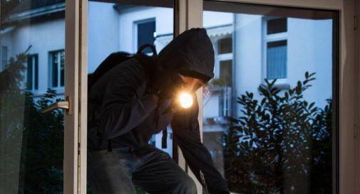 I ladri colpiscono mentre lei va a messa