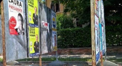 Manifesti elettorali strappati: M5S preso di mira da