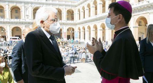 il presidente Mattarella e l'arcivescovo Dal Cin
