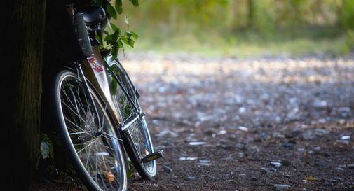 Fuga rocambolesca in Corso del Popolo di un ladro di biciclette