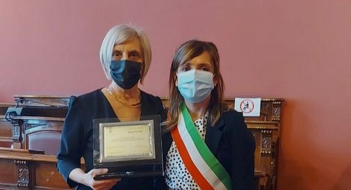 Anna Narder, a sinistra, col sindaco Paola Roma
