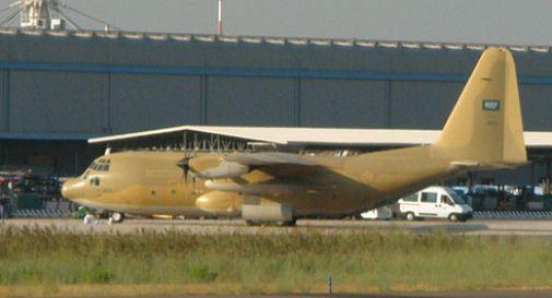 Atterraggio d'emergenza a Venezia per un C130 militare saudita