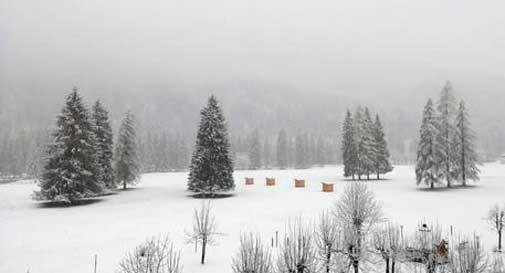 30 cm di neve sulle Dolomiti, e continua a nevicare
