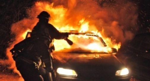 Veicolo in fiamme sulla Transpolesana, statale chiusa
